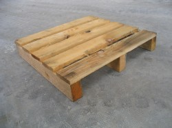 Heavy half pallet - 3 soles with rafters